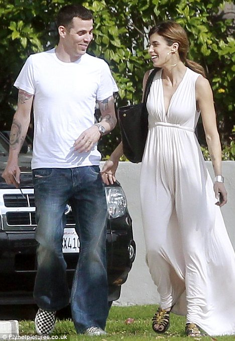 Steve O Dumps Party Loving Elisabetta Canalis Over Fears She Will Jeopardise His Sobriety Daily Mail Online