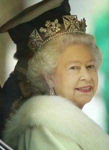 Queen s diamond diadem goes on display at Buckingham Palace   Daily     The Queen arrives at the State Opening of Parliament wearing the diamond  diadem