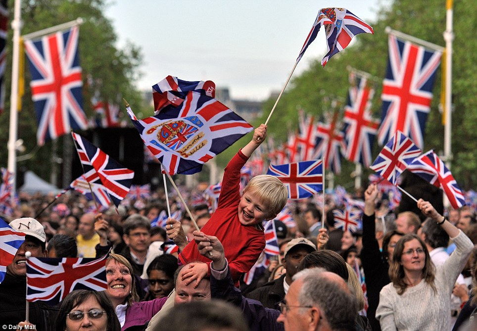 The crowds had the added bonus of far drier conditions than the previous two days of the jubilee weekend when rain tried, but failed, to put a dampener on proceedings