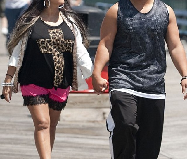 Reality A Heavily Pregnant Snooki Walked On The Boardwalk With Her Fiance Jionni Lavelle Last
