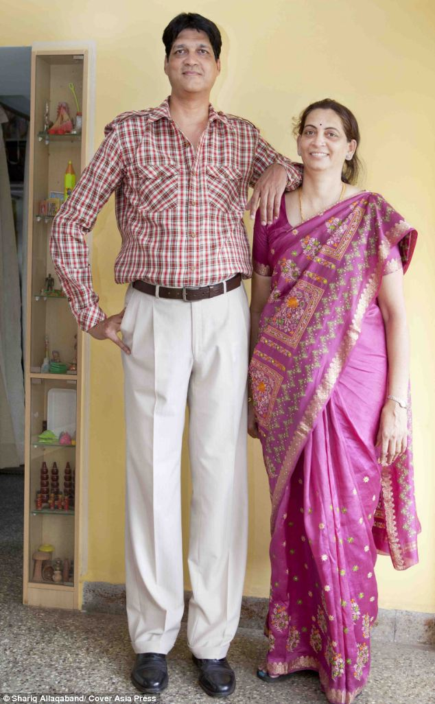 India's tallest couple: Mr Kulkarni stands at 7ft 1.5in and his wife Sanjot at 6ft 2.6in