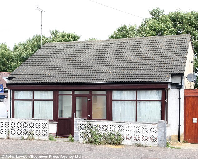 tiny house in southend which council have so far failed to stop being used as a mosque