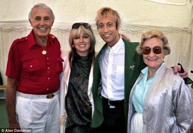 Who Was Robin Gibb Married