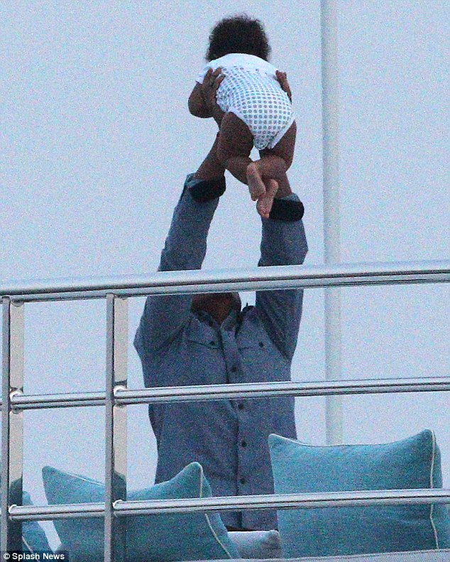 Yes it could! Doting daddy Jay-Z gives Beyonce a break as he takes over the parenting duties