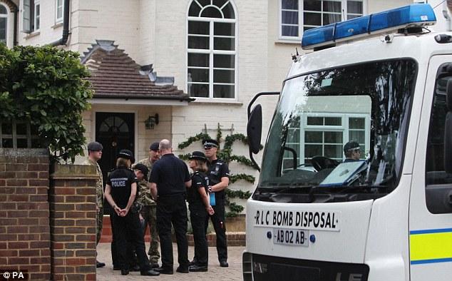 Emergencia: Los informes sugieren que la investigación se centró en torno a una cabaña en la propiedad