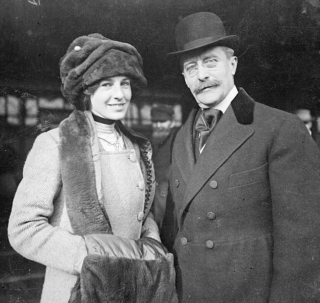 Harry Selfridge e sua filha Rosalie, com o nome de sua mãe