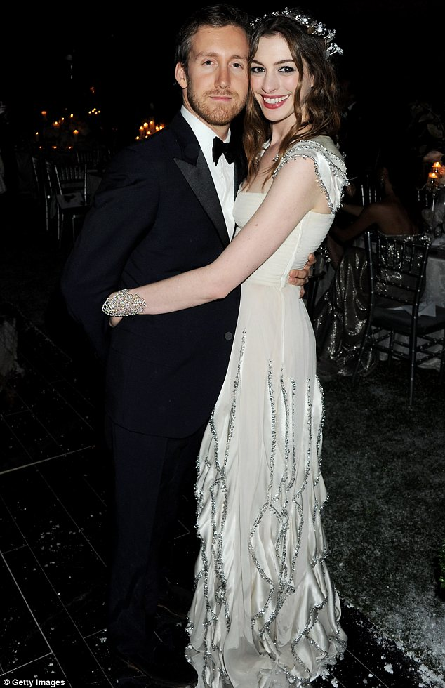Who Anne Hathaway Married Too