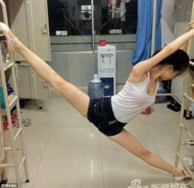 Stretch: This Chinese college student has become an internet sensation thanks to her spotless split