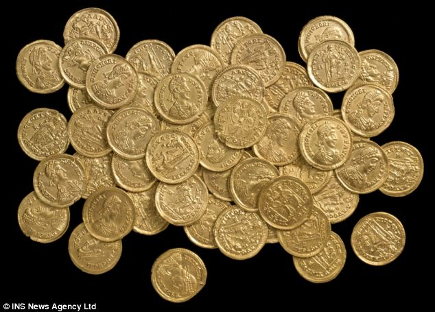 Novice Treasure Hunter Who Bought Basic Metal Detector Found 40 Roman Coins Worth 100000
