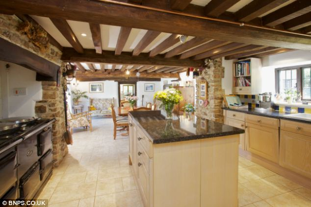 Country Living Down To A Tee 4million Manor House With