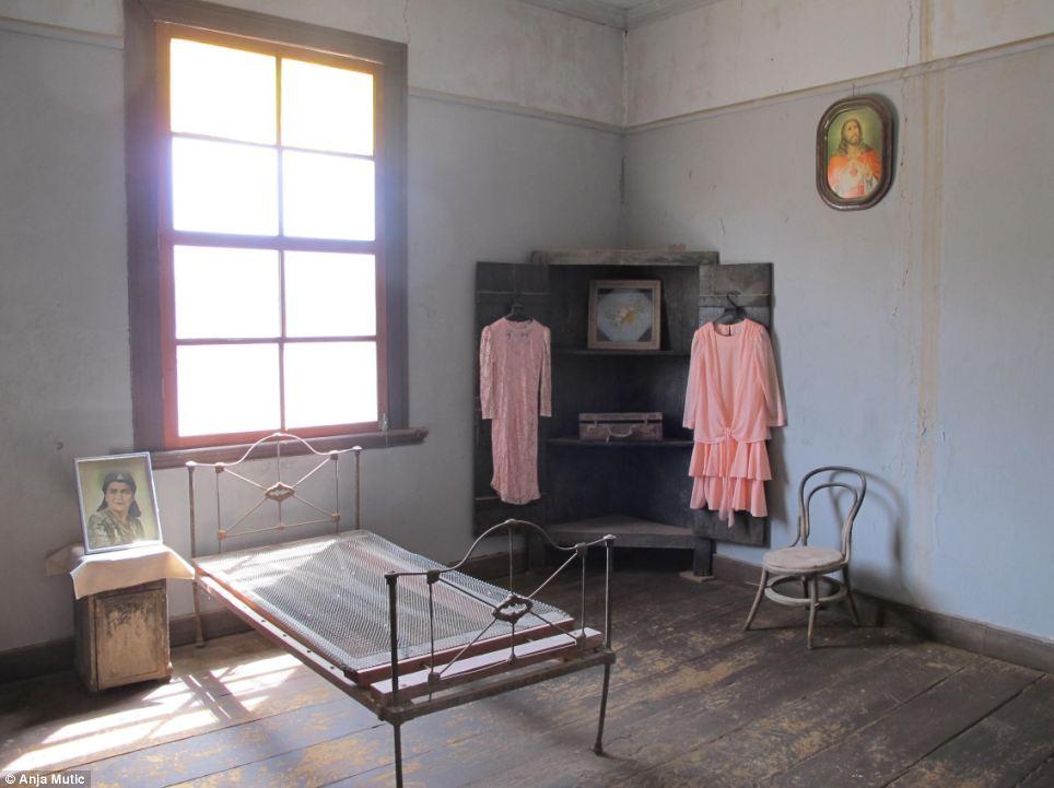 Spooky: Habitación en una casa de Santa Laura se ve prácticamente virgen