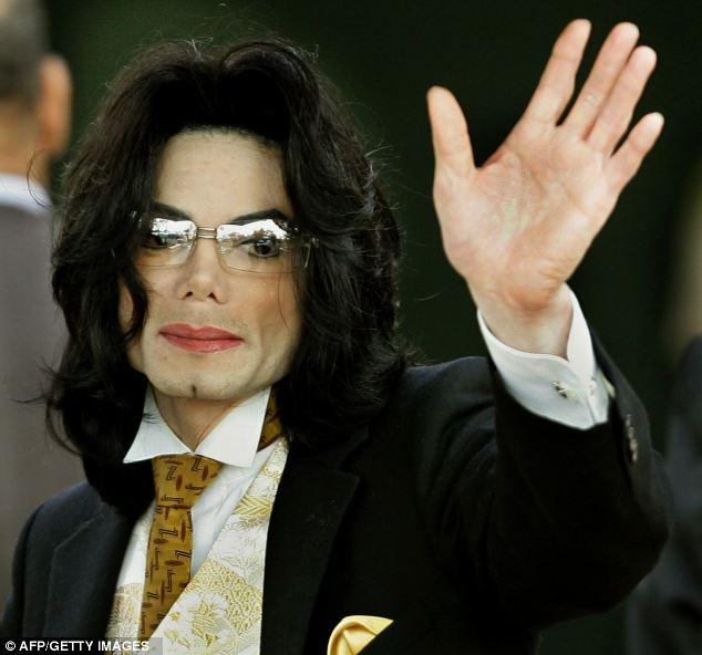 Legenda perdido: Michael Jackson deixou sua propriedade de bilhões de dólares para seus filhos, mas os membros de sua família estão ainda a tentar obter a sua mão sobre o dinheiro