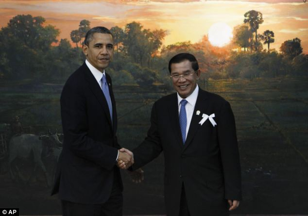 Welcome: Obama with Cambodia's Prime Minister Hun Sen before the ASEAN-U.S. leaders meeting