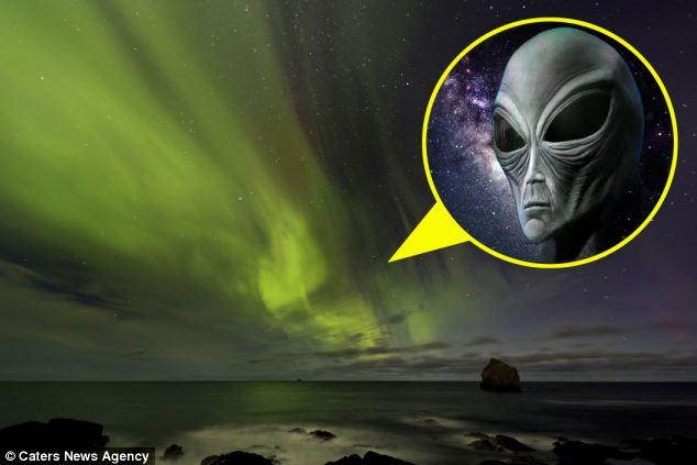 Mira más de cerca: Estas increíbles imágenes muestran signos de una alienígenas se enfrentan recorre el cielo Northern Light