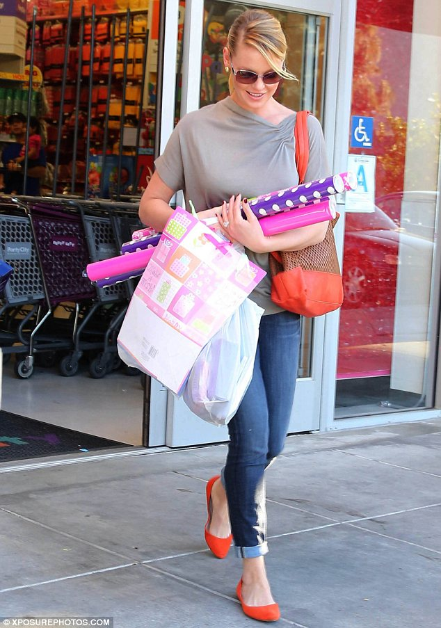 Black Friday: Katherine Heigl took advantage of the massive post Thanksgiving sale on Friday by buying gifts and wrapping paper in Los Angeles