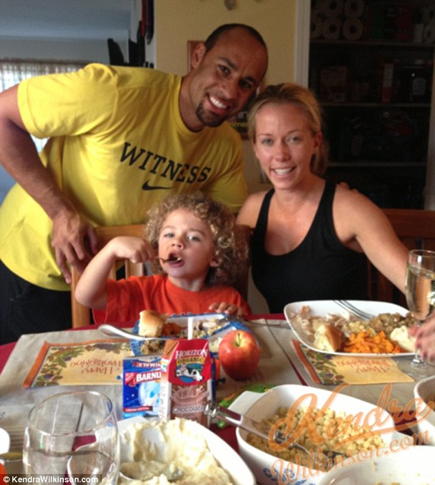 Turkey day! Kendra and Hank will surely be back home in time for their curly-haired boy's third birthday in one week