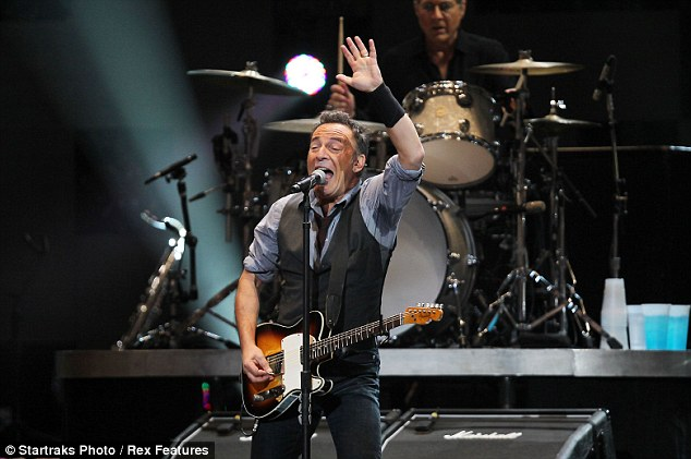 Tribute: Springsteen talked about his native New Jersey