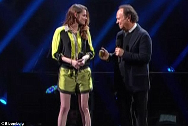 One for the kids: Billy Crystal introduced Kristen as the gal to get younger viewers on board