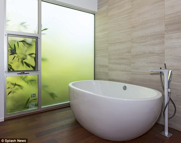 Relaxing: The house has 5.5 bathrooms and several modern tubs