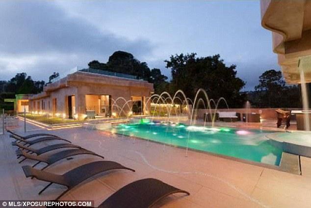 Entretien: A caractéristiques piscine éclairage d'ambiance et fontaines