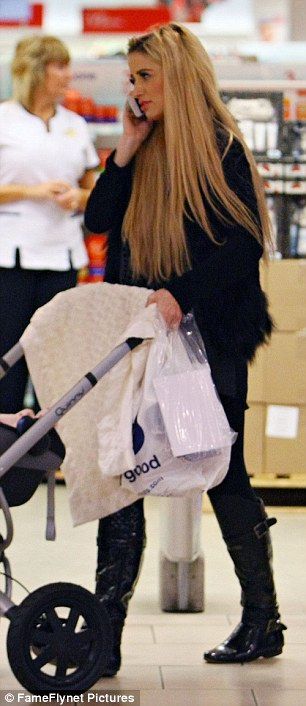 Last-minute: After their experience meeting Santa, Chantelle and Dolly did some last-minute shopping before heading home