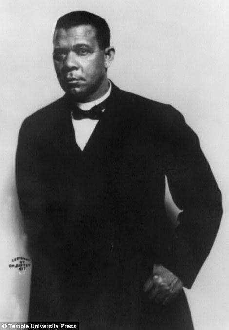 Portrait of Booker T. Washington 1915