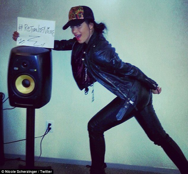 #ReturnofNicole: The singer announced her new single Boomerang by posing a series of messages in Twitter pictures