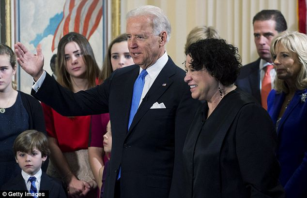 Friendly tone: The Vice President took the oath in front of 120 relatives and friends