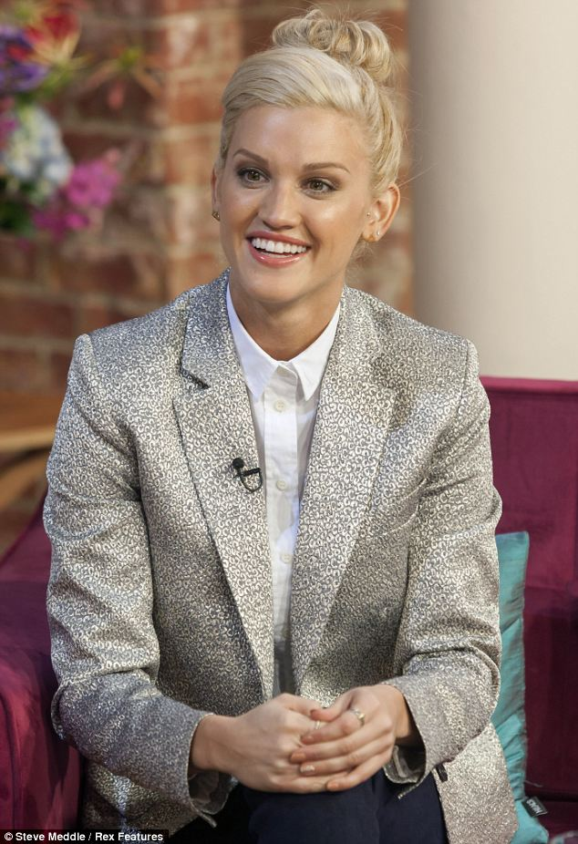 Ashley Roberts Plays Down Decs Crush On Her As She