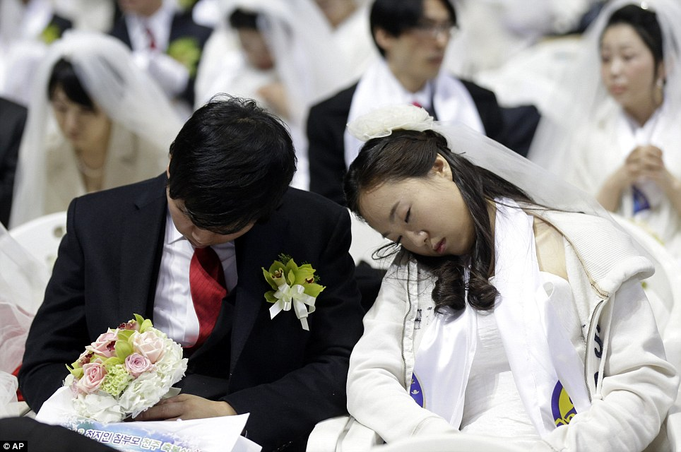 Mass Wedding In South Korea Astonishing 3500 Couples