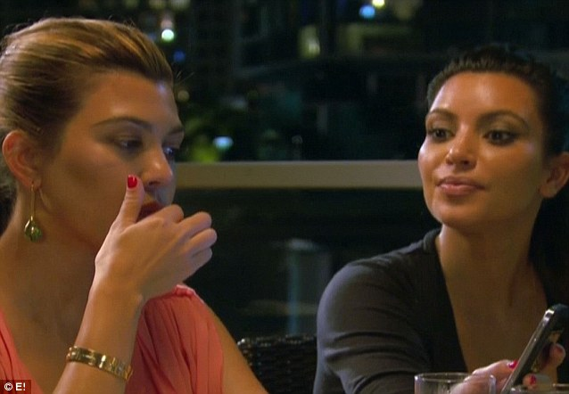No comment: Kourtney didn't seem to respond and carrie don eating her food