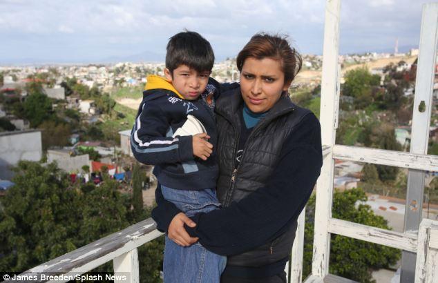María Villegas y Omar hijo