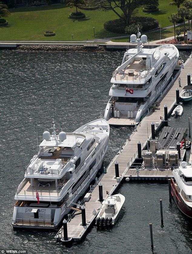 Elin Nordegrens Billionire Boyfriend Has A Bigger Yacht