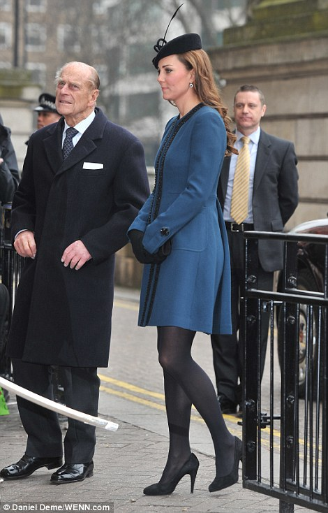 Kate Middleton Pregnant Duchess Of Cambridge Laughs As
