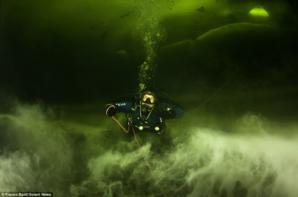Strange Lights Found Divers Underwater