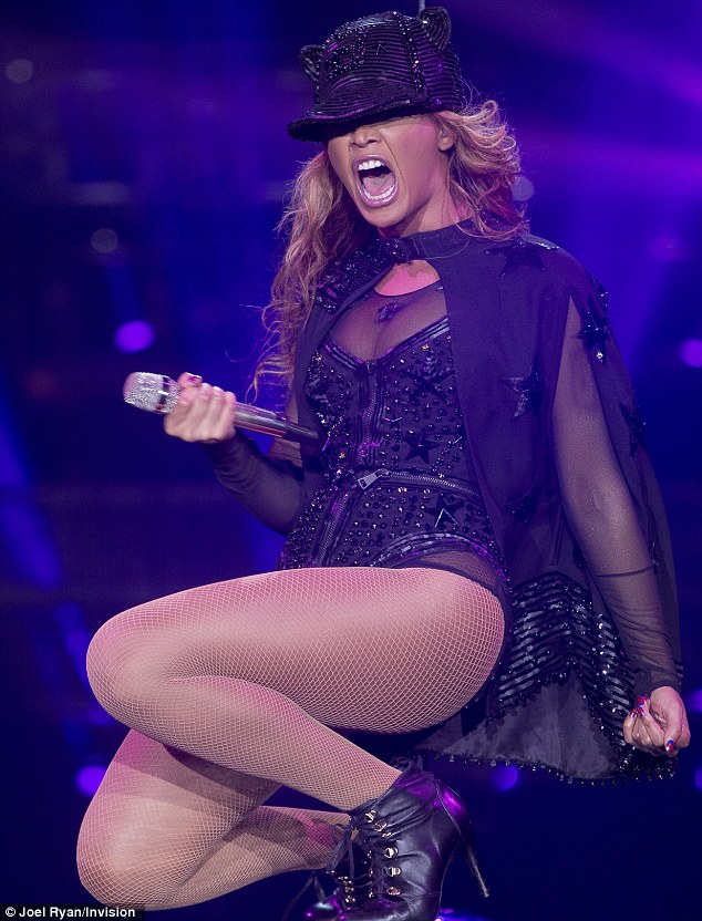 How did that one get through? Beyoncé looks amazing onstage at the O2 in London - but the stationary poses sent through by the one official snapper don't touch on the energy from the show