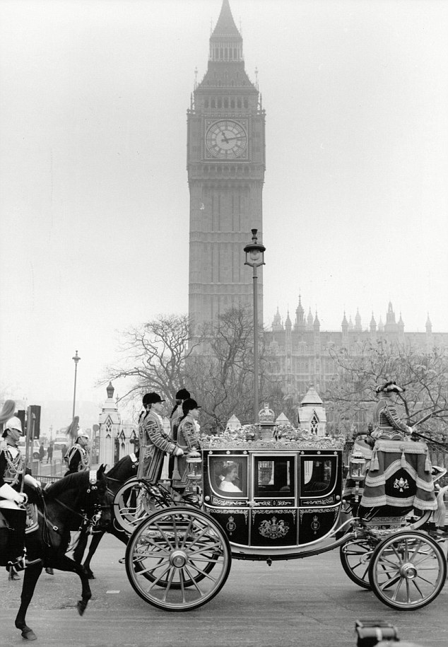 Queen Elizabeth II's coach arrives for the State Opening in 1989