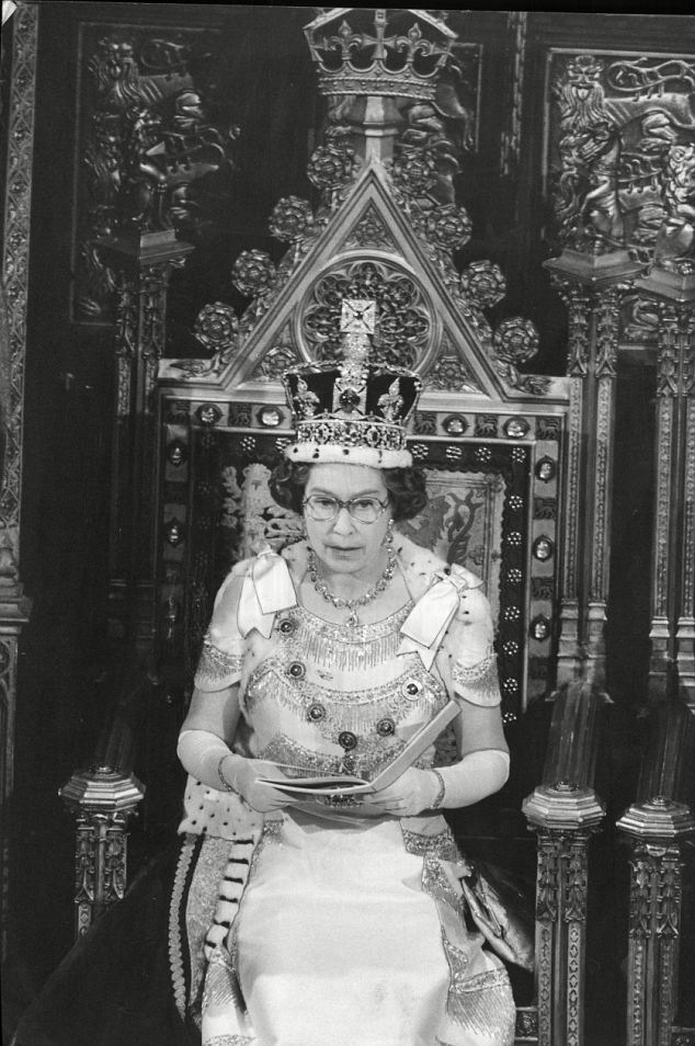 The Queen reading her speech in 1978