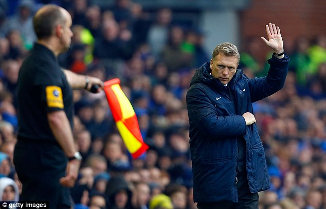 Play nice: Ferguson asked the fans to give new manager David Moyes the reception he deserves