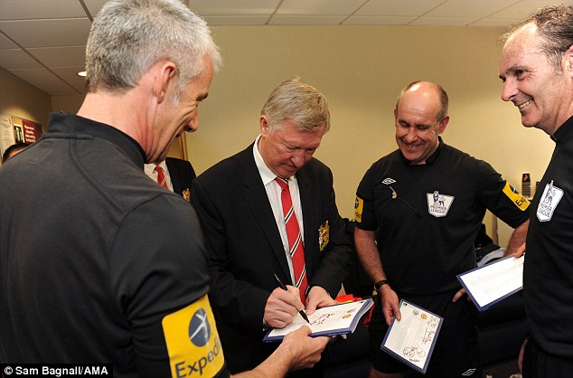 Image result for Alex Fergie with ref Man Utd match