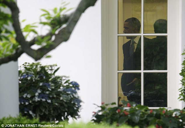 Clandestine: Barack Obama in the Oval Office. The President joined reporters for an off-the-record meeting