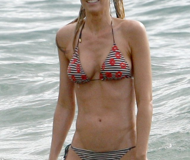 Not An Inch To Pinch Paige Butcher Showed Off Her Incredibly Toned Stomach While On