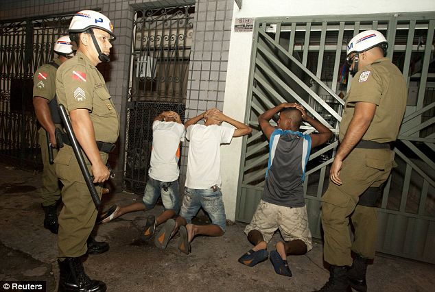 Trouble: Police arrest youths for vandalism in Belem, Para State