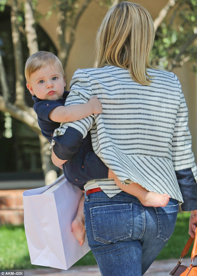 Reese Witherspoon Has Rare Mummys Outing With Nine Month