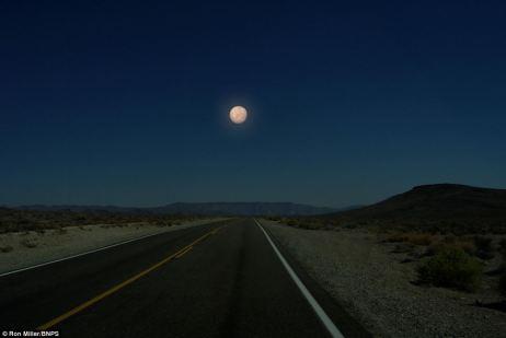 Cielo nocturno: pequeño planeta Mercurio sería sólo un poco más grande que la luna de la misma distancia