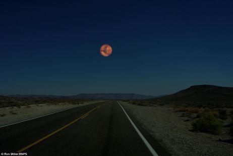 Red planeta: Marte podría aparecer alrededor de dos veces el tamaño de la luna de 233,812 millas de distancia