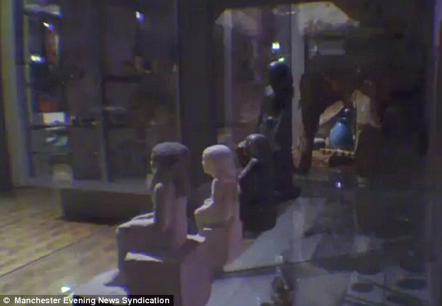 In this time lapsed video, as the museum closes for the evening, the statue can be seen in a clearly different position