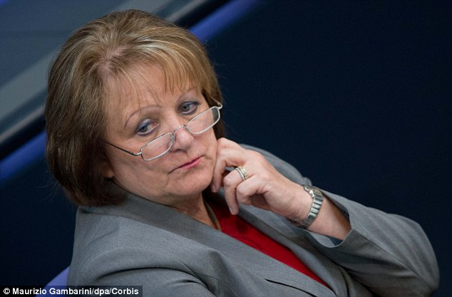 Justice Minister Sabine Leutheusser-Schnarrenberger angrily accused Washington of using ¿Cold War¿ methods