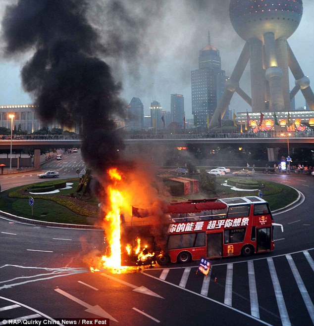 A sightseeing bus has spontaneously combusted in China because of extreme summer temperatures