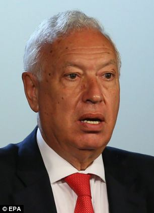 Spanish Foreign Minister Jose Garcia-Margallo (left) will meet